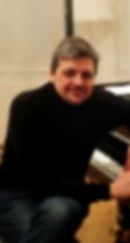 laurent profile picture.jpg