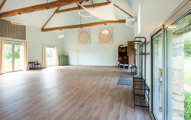 salle-de-yoga-sejours-1.jpg