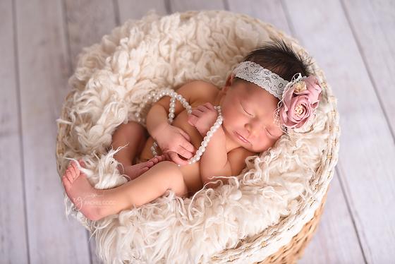 Layla. 5 days new. {Short N Sweet newborn session} Cleveland Newborn Photography