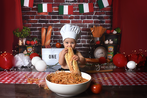 a Spaghetti Smash. First birthday session.