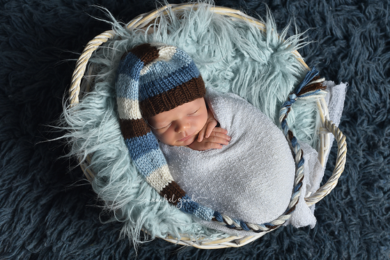 Austin's Goodness Newborn session | Ohio Newborn Photographers | 2 weeks new