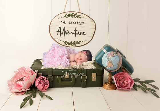 Short & Sweet Newborn session with Brooke. 3 weeks new.