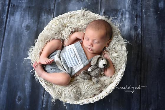 Meet Isaac. Cleveland, OH Newborn Photographer