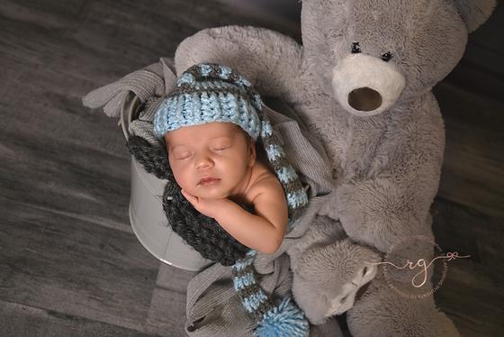 Goodness newborn session with Landen. Cleveland, OH newborn photographer