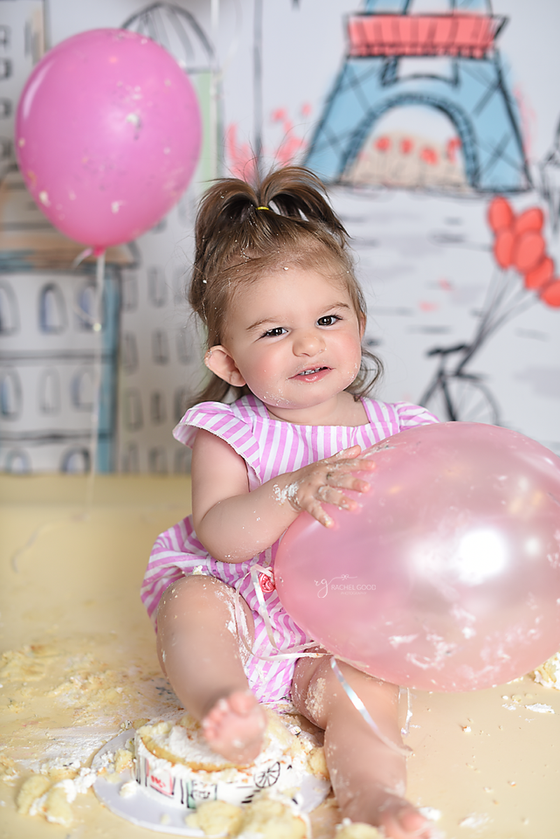 FYLC Maddie turns ONE with a 'Madeleine Cake Smash'