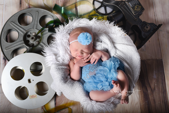 Welcoming Eloise.  Berea, OH newborn session at home