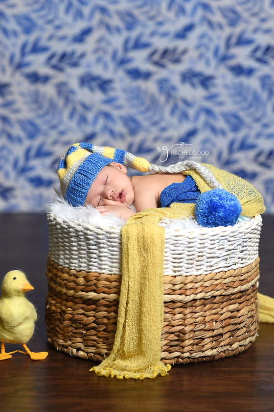 Short & sweet newborn session with 2 month old, Cody
