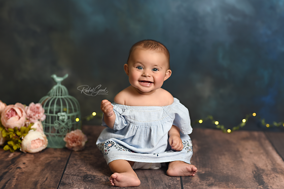 Victoria's 7 month milestone session | Bay Village Photographer