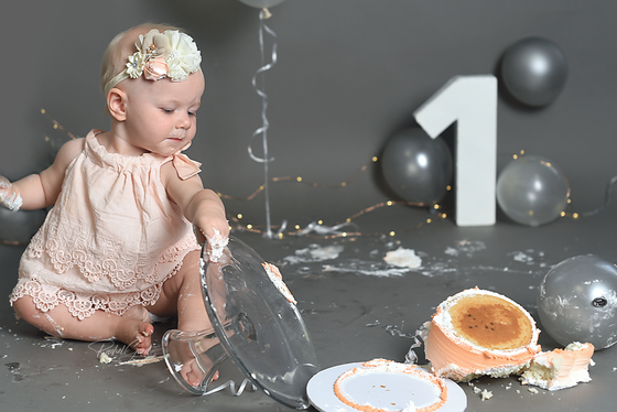 Teagan turns ONE. Gray+Peach cake smash