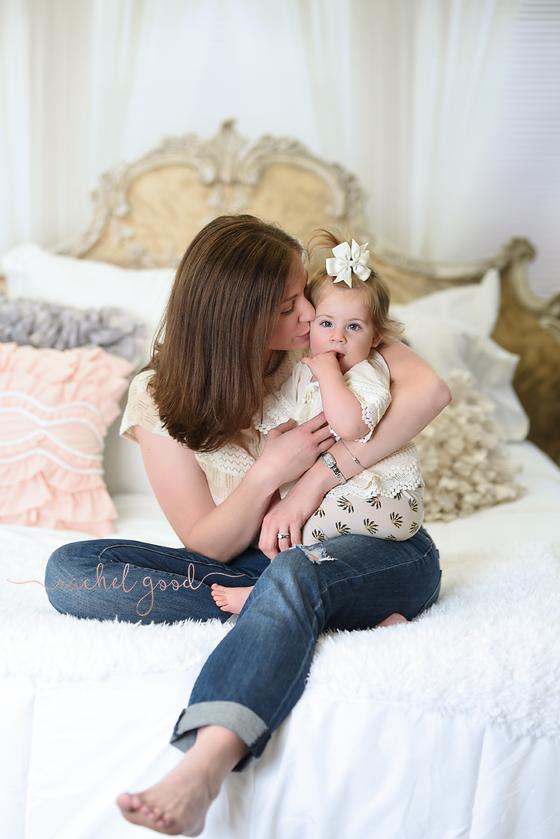 Motherhood minis. round 1.