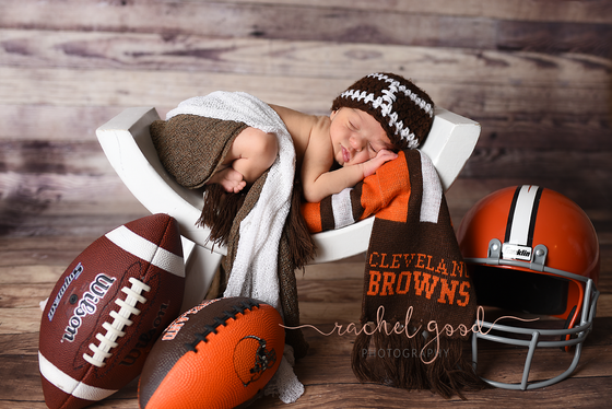 Parma Heights Newborn Photographer Welcomes Carson