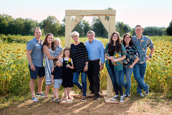 Medina Sunflower Farm. The Nord Extended family shoot, Wadsworth, OH photographer