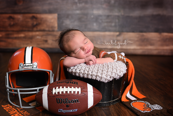 Rowen 6 days new. Berea, OH newborn Photographer