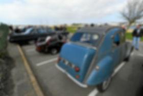 vehicules-et-public-nombreux-dimanche-au