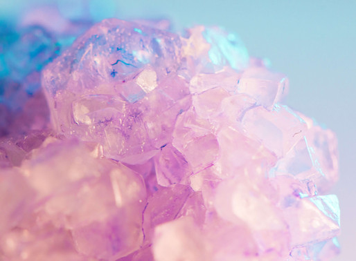 5 Crystals That Attract Love And Heal The Heart