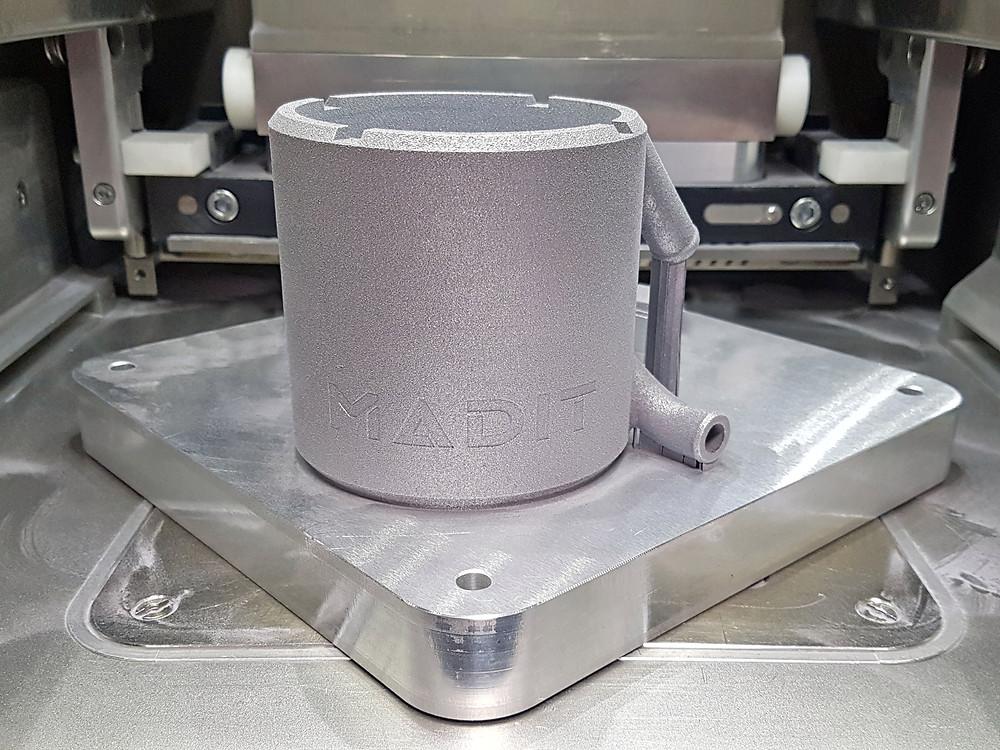 Camisa de refrigeración motor eléctrico impresión 3D metal y fabricación aditiva.