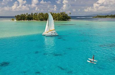 Catamarán en Tahaa, Polinesia Francesa