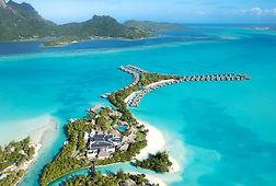 Hotel de palafitos en Bora Bora