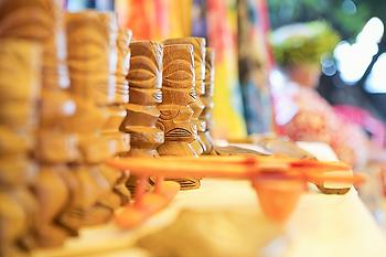 Tahiti, Mercado de Papeete, artesanía
