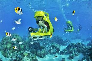 Actividades en Bora Bora, escúter submarina