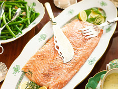 Perfect Poached Salmon with Béarnaise Sauce