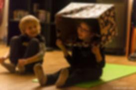 bambini-yoga-condivisione.jpg