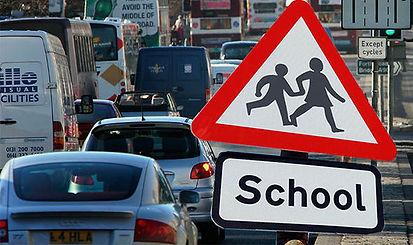 Cars-school-run-ban-965161.jpg