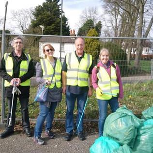 More photos of more #litterheroes. A mas
