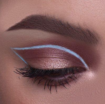 Light Blue Graphic Eyeliner