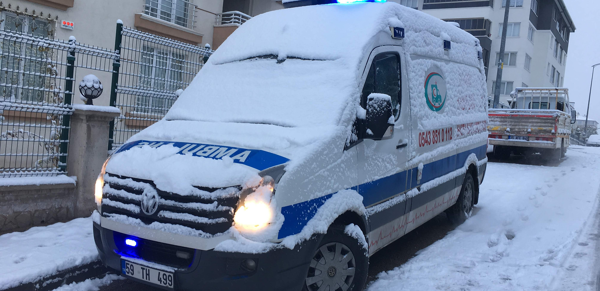karlı ambulans