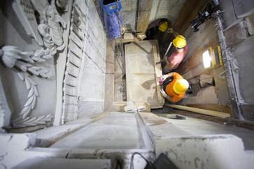 Archéologie: Tombeau du Christ a été ouvert pour la première fois depuis des siècles.