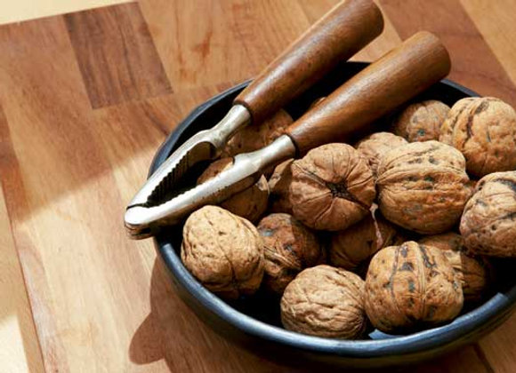 walnut halves per lb