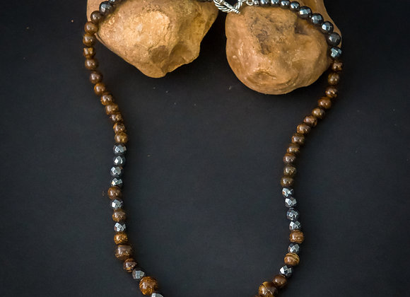 Brown Knight (necklace)