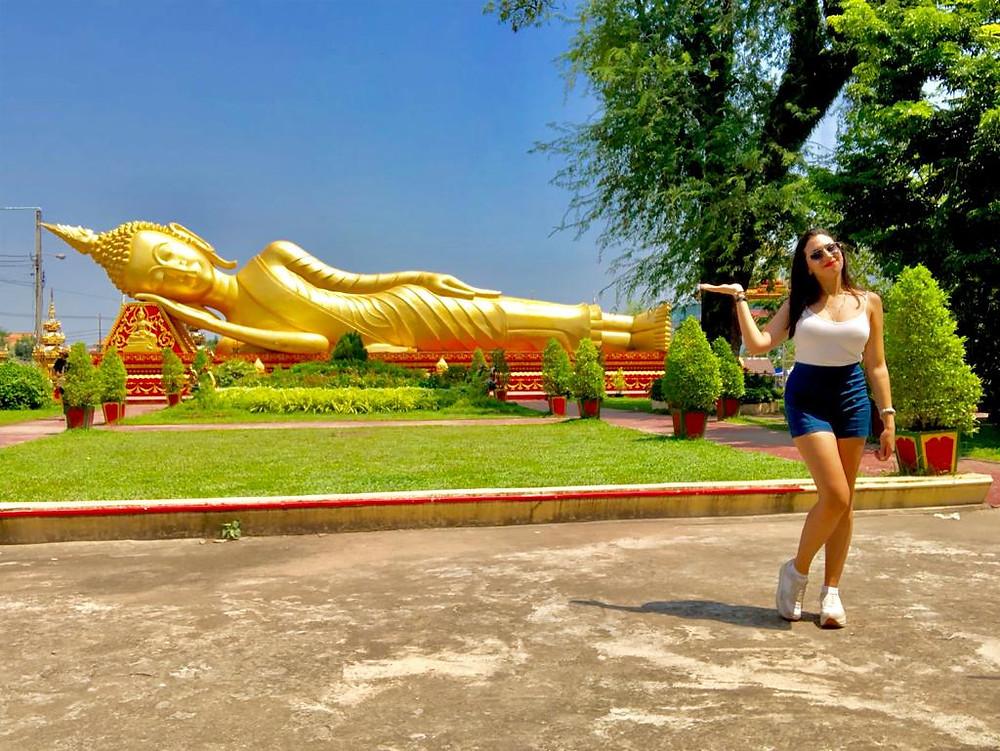 buddha en or couché plus de 200 mètres thailande laos