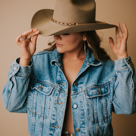 Fun Studio Portraits with Country Music Artist Sydney Adams    Kentucky Portrait Photographer
