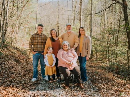 Extended Family Portraits on Denmar Lane | Viper, KY | Kentucky Family Photographer