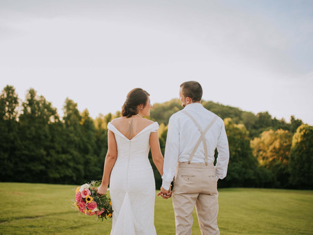 Wedding in the Heart of West Virginia | The Barn at the Olde Homestead | Travel Wedding Photographer