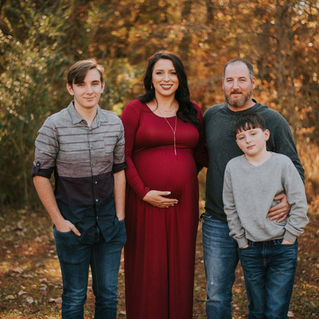 Fall Maternity Portraits with the Couch Family   Hazard, KY   Kentucky Family Photographer