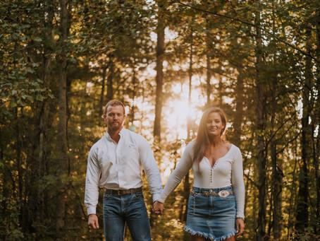 Fall Engagement Portraits with Alexandra + Dustin | Viper, KY | Kentucky Engagement Photographer