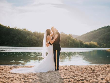 Summer Wedding at Buckhorn Lake   The Lunsfords   Kentucky Wedding Photographer