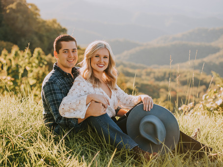 Golden Hour on Pine Mountain with Tanner + Emily | Whitesburg, KY | Kentucky Engagement Photographer