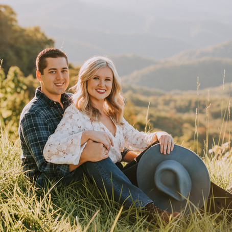 Golden Hour on Pine Mountain with Tanner + Emily   Whitesburg, KY   Kentucky Engagement Photographer