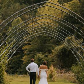Intimate Summer Backyard Wedding | Hazard, KY | Kentucky Wedding Photographer