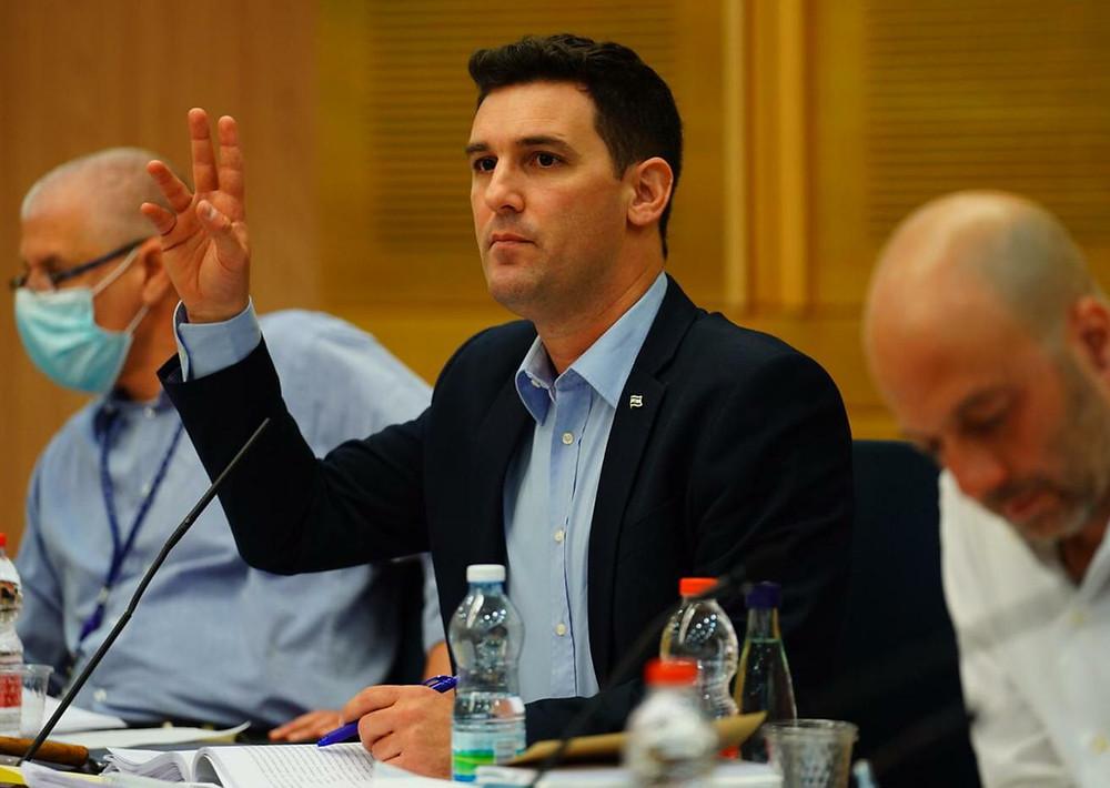 El legislador Ginzburg en una discusión parlamentaria. Foto cedida por el entrevistado.