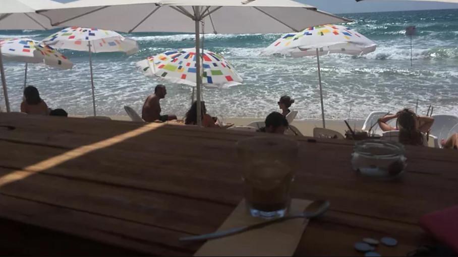 Playa Mandarin, North Cliff. Mi café favorito, afuj con leche de soja. Foto: Carolina Assanelli