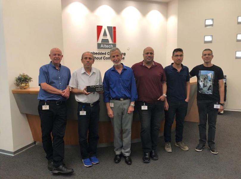 Aitech Beresheet team (left to right): David Saar, Yoram Zabari, Dani Kord, Avi Oriane, Avi Luzon, Avi Ben-Moshe. Foto: cedida por el entrevistado.