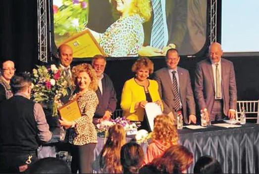 2014. Ester recibió el premio a la mejor voluntaria en la absorción de inmigrantes