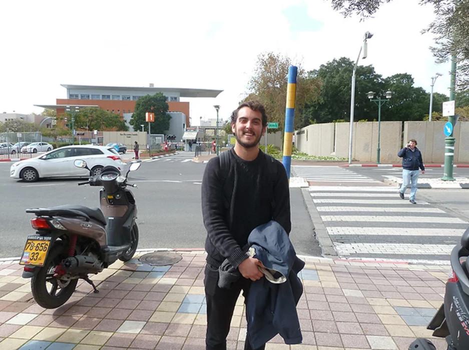 Nico terminó el primer semestre de la mejiná en la Universidad Bar Ilan. Foto: Piedra Libre