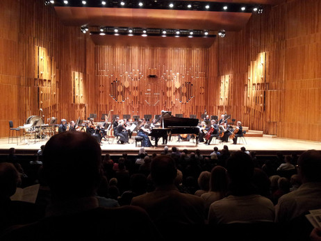 Lara performs Britten's Young Apollo with the Britten Sinfonia conducted by Paul Daniel at the B