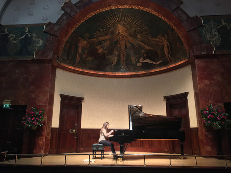 Lara rehearsing before her Wigmore debut
